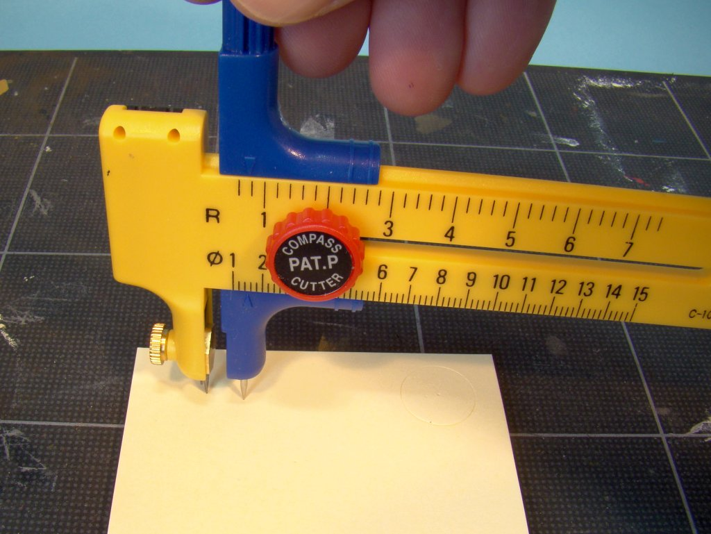 Circle cutter in use