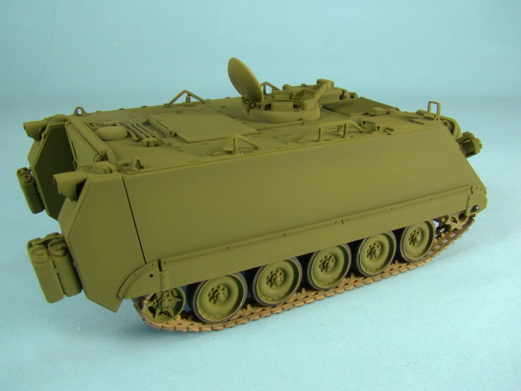 M113 green right side