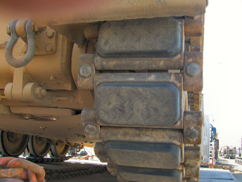 M113 tracks closeup 1