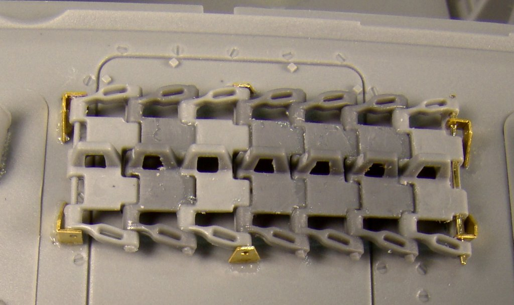 PZ4G Tracks on front hull roof